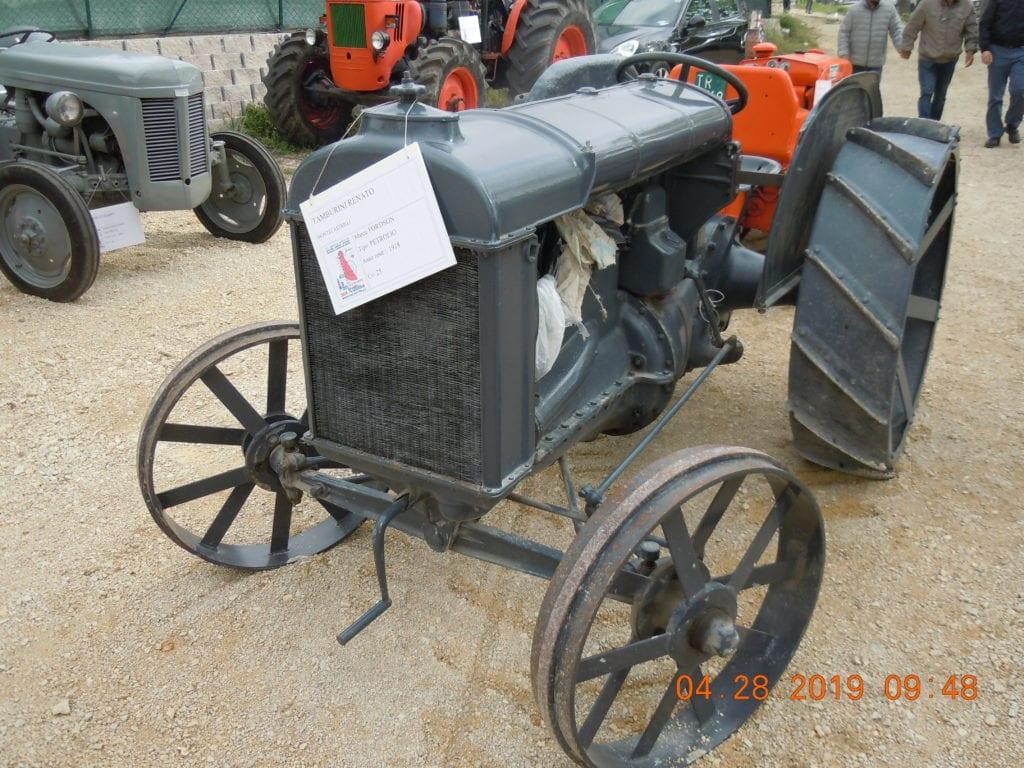 Trattrice Agricola Marca FORDSON Alimentazioe PetrilioCv 25 Anno di fabbricazione 1918